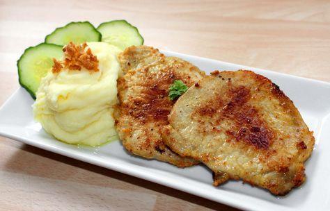 Mustáros karaj recept: A mustáros karaj egy igen ízletes fogás azok számára akik nem idegenkednek a kissé szárazabb húsoktól. A mustár, és a tej nagyon jó ízt ad a húsnak! Kínálhatunk mellé valamilyen mártást, vagy akár egy főzelék feltétjeként is elkészíthető ez a mustáros karaj recept.
