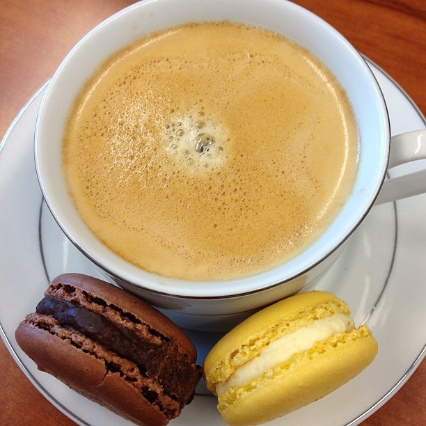 #lunch Coffee and Zumbarons #yummy