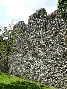 king Alfred's defense wall to protect his burgh in Winchester during the Anglo Saxon era
