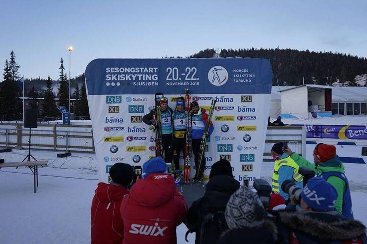Biathlon : Le sprint de Sjusjoen en Vidéo  Simon Fourcade sur le podium, Martin Fourcade juste derrière son frère avec pour tous les deux une grosse course pour débuter la saison. Un évènement à revivre ICI dans les conditions du direct... /// http://www.ski-nordique.net/biathlon-le-sprint-de-sjusjoen-en-video.5817363-72348.html