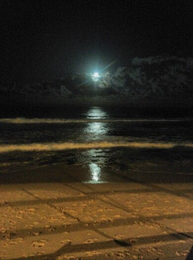 Awesome reflection of the moon in the water of Newcastle beach!