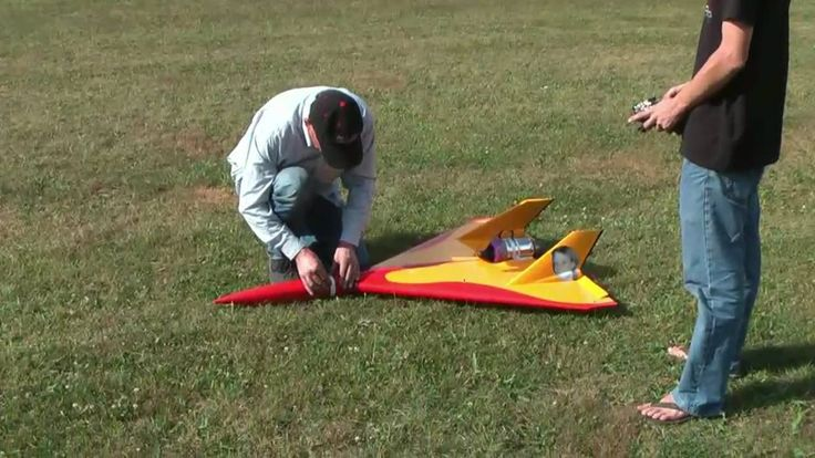 The super fast remote controlled jet plane!!!!!!!!!!! Must watch.............