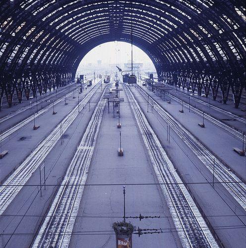 Stazione Centrale, durante il week-end di chiusura totale -evento unico- del 31 marzo-1° aprile 1984 | da Milàn l'era inscì