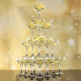 Champagne toren (20,35 en 56 glazen)_0