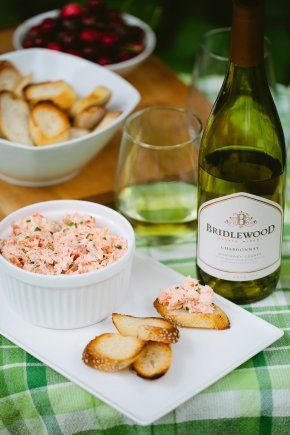 Salmon rillettes are ideal to serve alongside white wine in the summer.