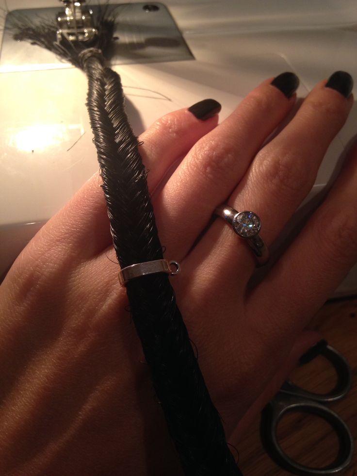 Making a ponyhair bracelet