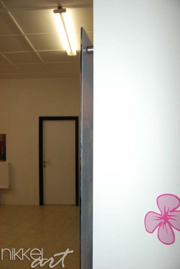 Wij printen met een witte inkt en dit geeft een prachtig effect. Foto op Glas op Uw maat is perfect voor de keuken tussen werkblad en kasten. www.nikkel-art.be