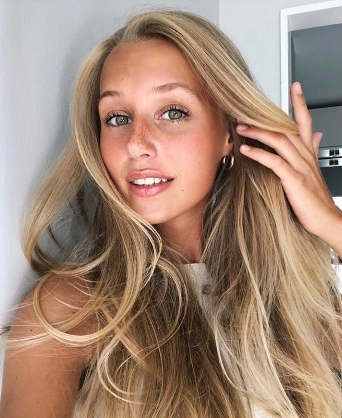 Sweden The Land Of The Hottest Women On The Planet Photos Protothemanews Com Long Hair Styles Beauty Hair Styles