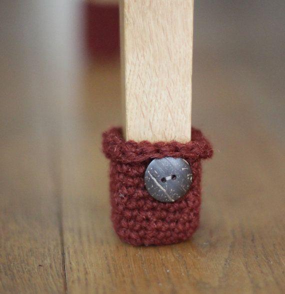 les 16 meilleures images du tableau pattes de chaises en tricot sur pinterest chaises. Black Bedroom Furniture Sets. Home Design Ideas