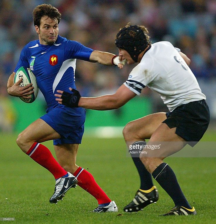 christophe-dominici-of-france-in-action-during-the-rugby-world-cup-b-picture-id2646215 (990×1024)