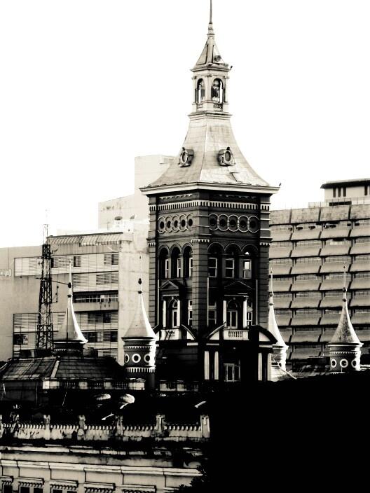 Vista do hotel na praca da cruz vermelha Lapa - RJ