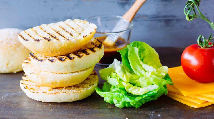 44 besten sandwiches burger wraps bilder auf pinterest belegte brote belegen und herzhaft. Black Bedroom Furniture Sets. Home Design Ideas