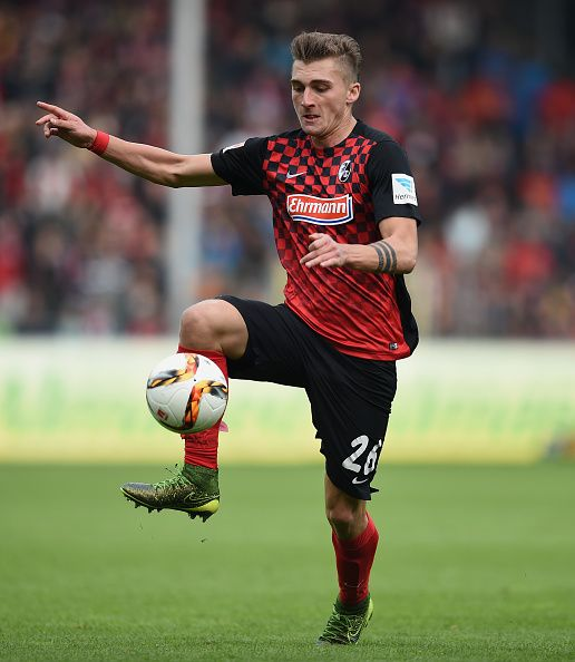 Maximilian Philipp of Freiburg controls the ball during the Second Bundesliga match between SC Freiburg and SpVgg Greuther Fuerth at...