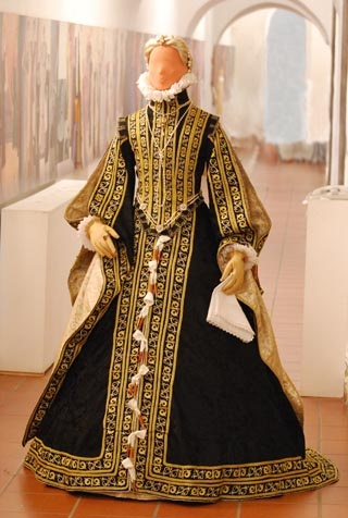 complete Spanish court outfit based on study of queen Anna`s portrait by Alonso Sanchez Coello in 1571