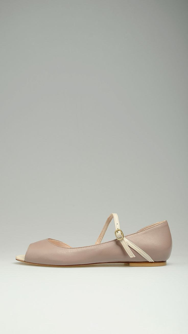 Dove grey open-toe ballet pumps featuring white strap, open side, 100% leather .