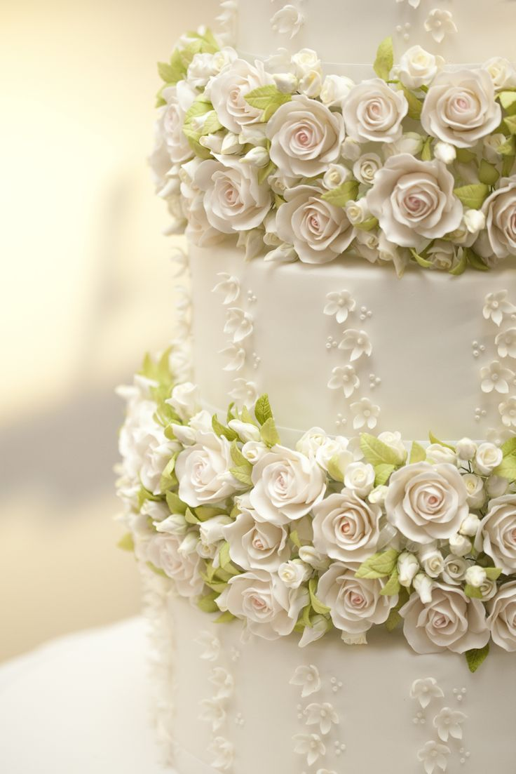 Close up of the beautiful sugar flowers hand crafted by