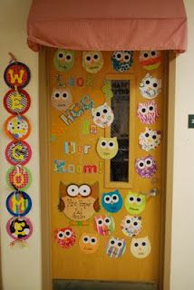 Look HOO'S in Our Room! Cute owl door or bulletin board idea! This blog shows other second grade classroom ideas, too.