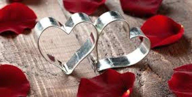 Love and rose petals ^^