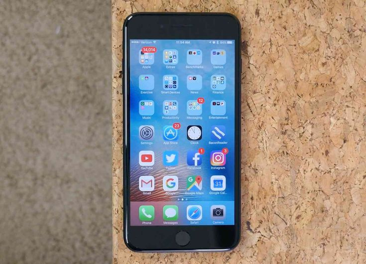 Apple releases iOS 10.3.3 beta 5 update -         When it comes to iOS beta releases, most of the focus nowadays is on iOS 11, which just got its second developer update and first public beta. Apple is also busy beta testing iOS 10.3.3, though, and today that version got a new beta release. Apple has released iOS 10.3.3 beta 5 to... - https://unlock.zone/news/apple-releases-ios-10-3-3-beta-5-update/