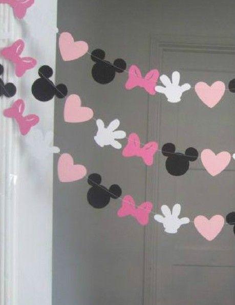 Guirnalda de Minnie Mouse para cumpleaños - http://xn--manualidadesparacumpleaos-voc.com/guirnalda-de-minnie-mouse-para-cumpleanos/