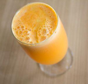 regenerační džus na klouby (1/3 malého ananasu, 1 pomeranč, 1 jablko, 1 citrón…
