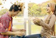 Tipspromenad: Tema höst  Samla vänner och familj för att njuta av mysiga höstkvällar tillsammans. Den perfekta underhållningen för höstens alla bjudningar och sammankomster är denna tipspromenad med tema höst. Du får 20 frågor på temat höst som passar både stor och liten. http://www.grapevine.nu