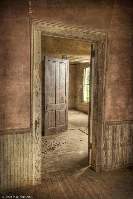 Inside Old Abandoned Mansions | Recent Photos The Commons Getty Collection Galleries World Map App ...