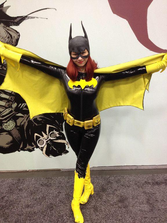 111 best comics dc batgirl cosplay images on pinterest batgirl cosplay batman and batwoman. Black Bedroom Furniture Sets. Home Design Ideas