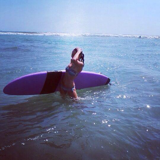 Surfing girl❤️❤️❤️love it