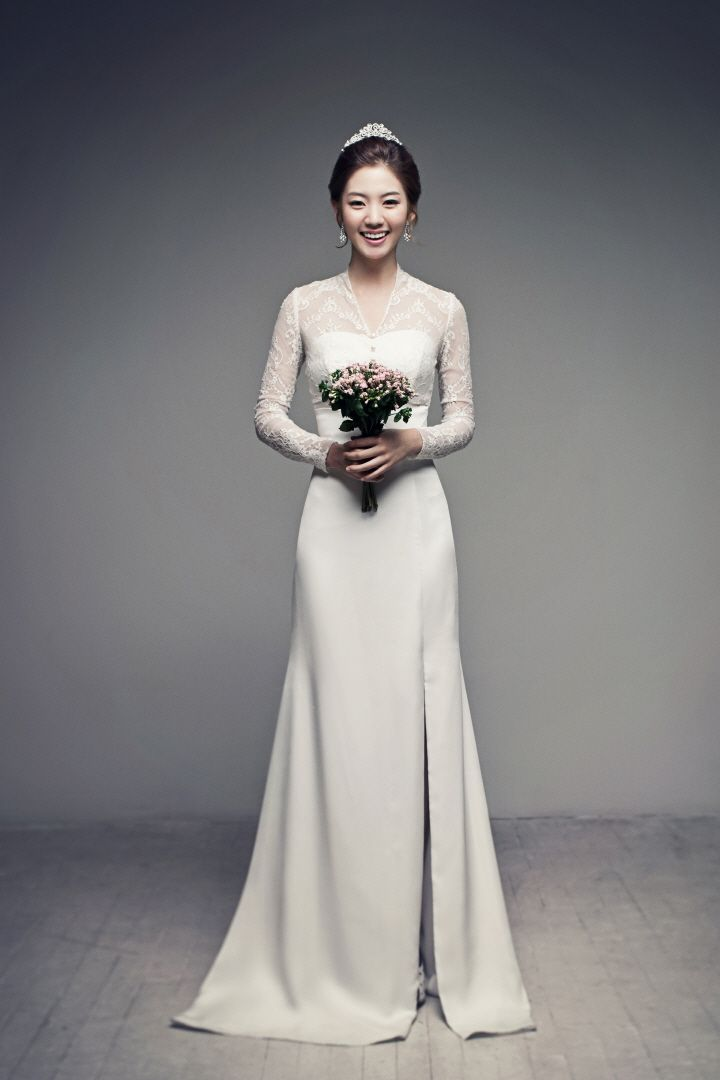 A timeless piece | Korea Pre-Wedding in studio | May Studio - Korea wedding photographer on OneThreeOneFour.com