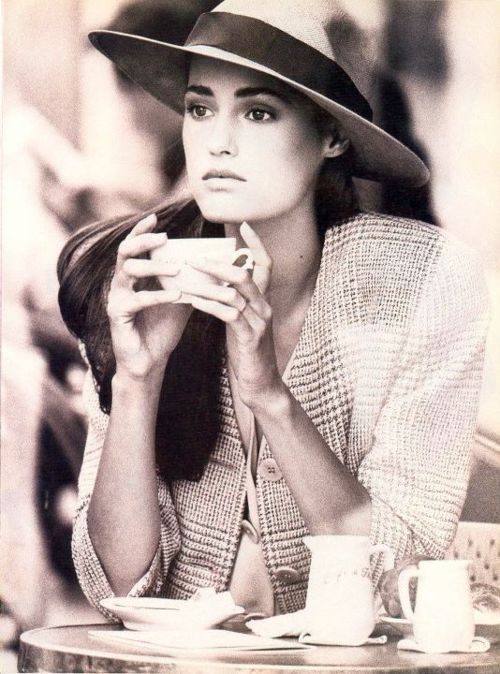 Yasmin by Peter Lindbergh 1987: Yasmin Le Bon, Cups Of Memorial, Peter O'Tool, Peter Lindbergh, Food Photography, Travel Style, Woman Style, Memorial Mornings, Amser Memorial
