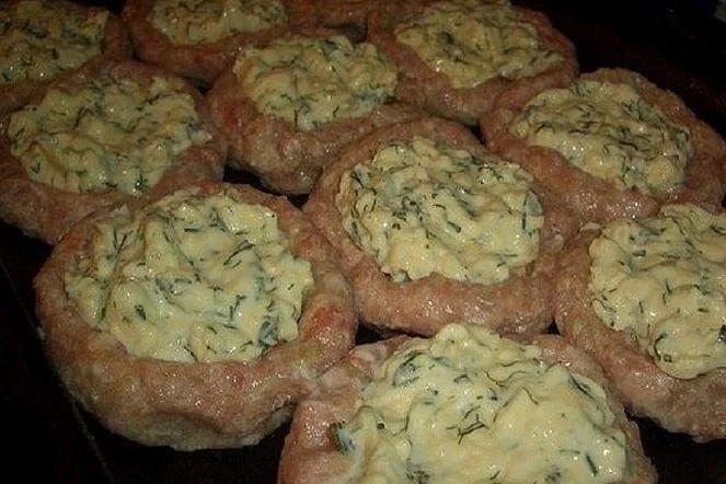 Как раз нашелся рецепт мясных гнезд со сливочной серединкой. Готовятся они даже проще, чем котлеты, ведь их не нужно обжаривать на сковороде: достаточно... - Lyuba Lyubov - Google+
