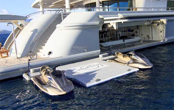 Custom Water Toys Dock Inflatable Luxury Water Yacht