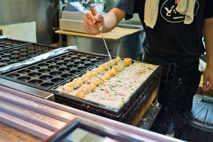 We ordered some Takoyaki (Octopusballs), yummi² <3