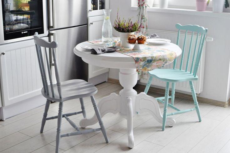 biały okrągły stół, jadalnia, white home, mint, prwansalska jadalnia,