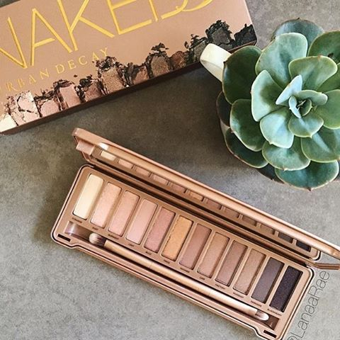 """""""Happy #makeupmonday beauty junkies. Today's post is from a true…"""
