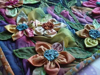 The Nifty Stitcher: 3D Flowers -