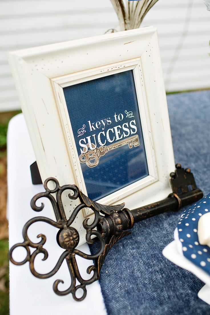 "Lovely u. Rustic ""key to success"" graduation party"