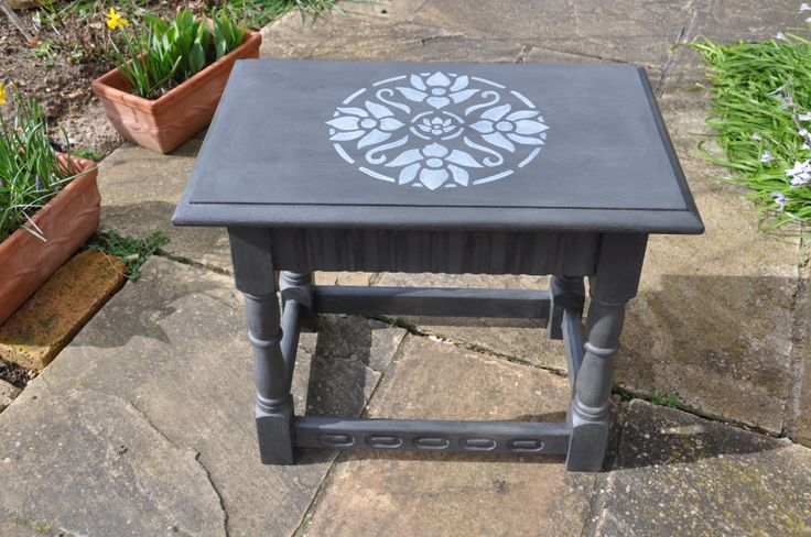 Chalk Paint Stencil Table