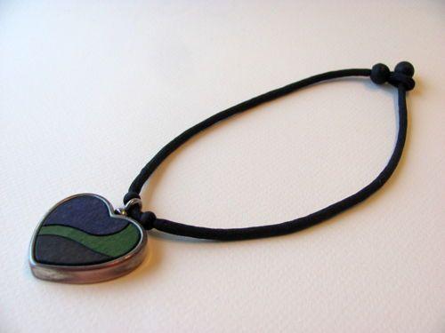 Aarikka-Finland-Heart-Pendant-Necklace-Blue-Green-Wood-Black-Beads-Metal
