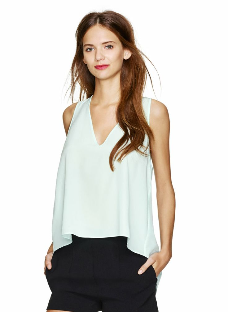 seriously loving this flowy tank, flattering on every shape & size #aritziacleanslate