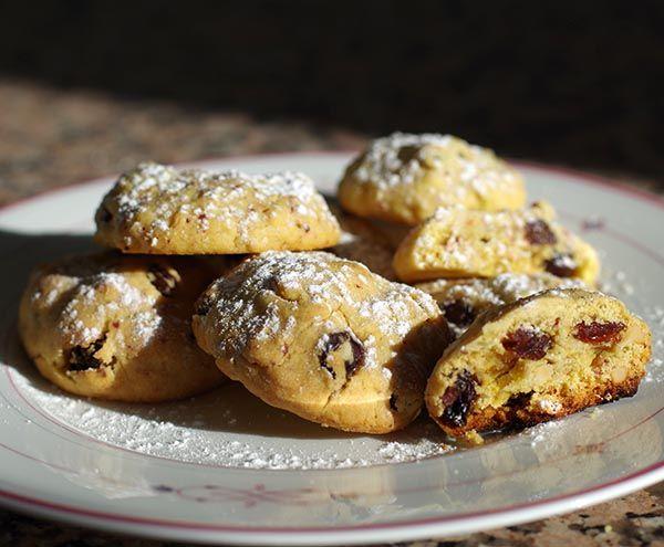 So langsam beginnt die Plätzchen-Backzeit. Hier kommt schon einmal ein leckeres Rezept für Cranberry-Rosinen-Plätzchen. Natürlich auch vegan. http://www.good-smoothie.de/blog