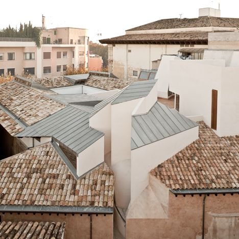 """14 """"radical"""" buildings from Spain's post-economic crisis architectural revival: Centro Cultural Casal Balaguer by Flores & Prats and Duch-Pizá"""