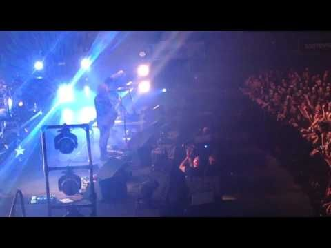 The Cure - Killing an Arab live @ Wembley Arena, London, Sa 3 December 2016 (3rd night) - YouTube