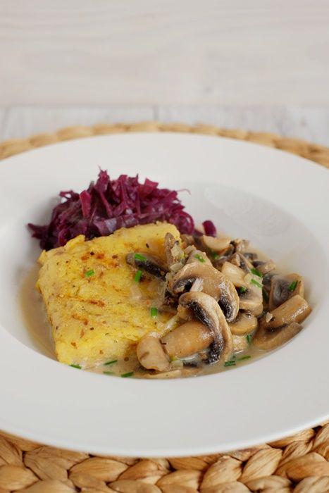 Fräulein M. kocht!: Gebratene Maronenpolenta mit Rahmchampignons und Blaukraut