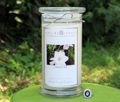 A sweet and spicy floral combination of gardenia, zesty orange flowers and tropical tuberose. This scent will literally make your home smell like a fresh garden of Gardenias! This is my personal favorite because I just love Gardenias! The color of the candle being white is also very decor neutral so it also goes with anything that you have decor wise in your home! Try out one today you won't regret it I assure ya =)