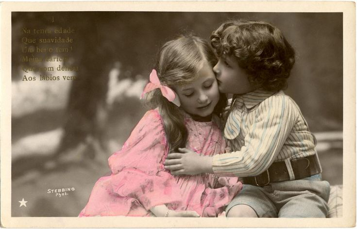 Sweet Kiss Image - Old Photo - The Graphics Fairy