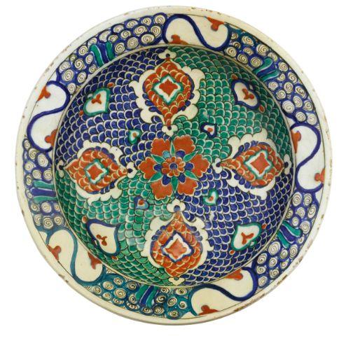 An Iznik polychrome pottery dish, Turkey, circa 1575 | Lot | Sotheby's