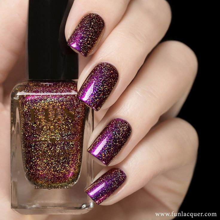 This amazing polish with colors like purple, red and gold duochrome with a holographic feel to your nails. Fully opaque in 2-3 coats! Collection: Love 2015 Collection