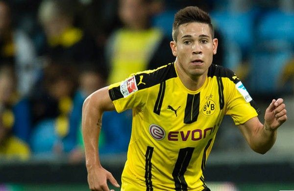 Dortmund Sambut Raphael Guerreiro